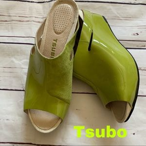 Tsubo size 6 leather lime green wedge shoes